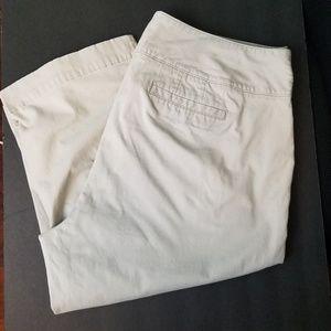 Dockers Capri Pants Size 18W
